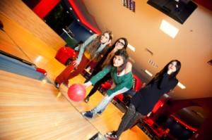 bowling_teens